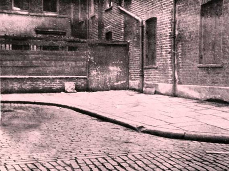 Jack the Ripper Photos - Victims, Sites, Streets