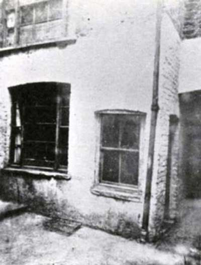 The window of 13 Miller's Court, inside which Mary Kelly was murdered.