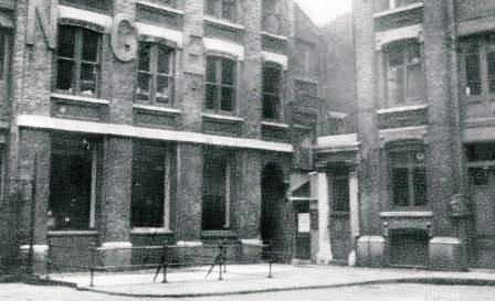 Kearley and Tonge's warehouse in Mitre Square